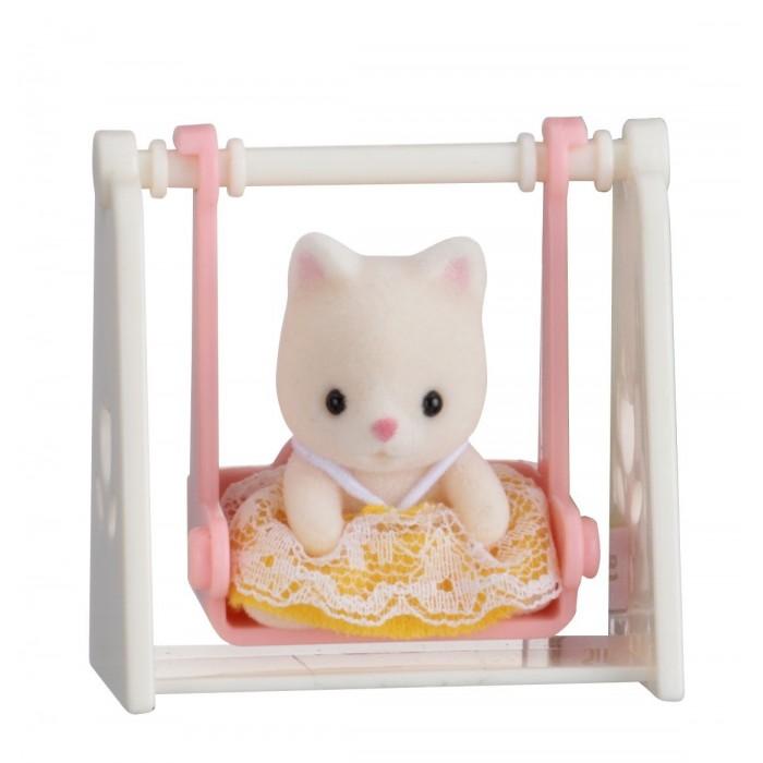 Sylvanian Families Набор Младенец в пластиковом сундучке. Кошка на качелях от Sylvanian Families