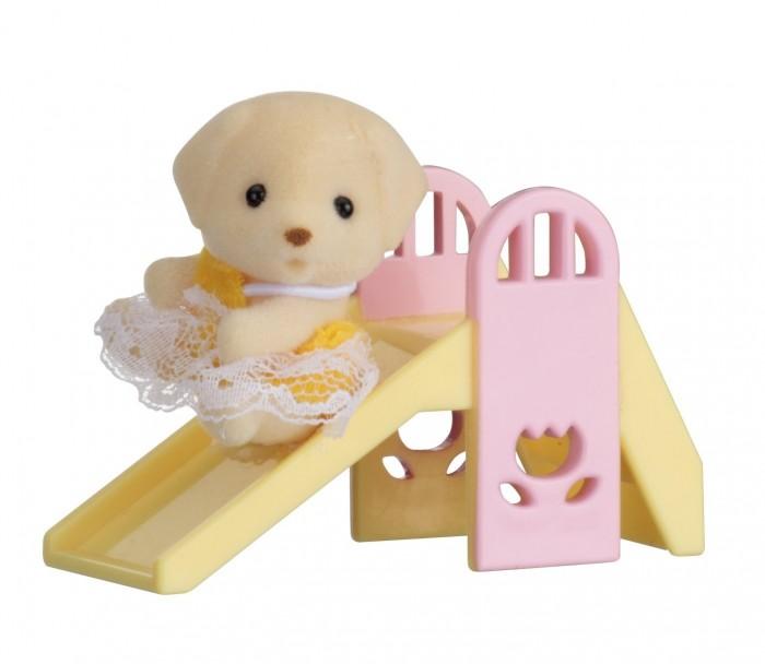 Игровые наборы Sylvanian Families Набор Младенец в пластиковом сундучке. Собачка на горке