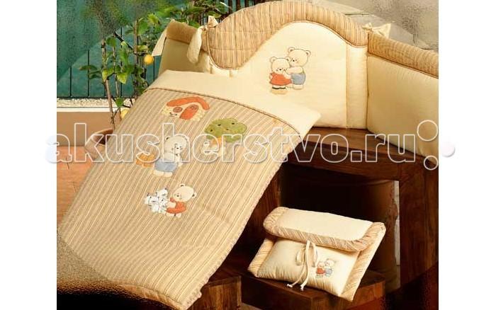 Комплект в кроватку BabyPiu Biba - комплект: бортик,одеяло,наволочкаBiba - комплект: бортик,одеяло,наволочкаТкань окрашенная с тиснением и линиями. Центральная вышивка на одеялке и двойная аппликация на бортиках.<br>