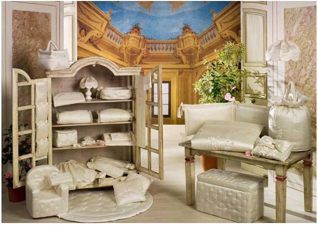 BabyPiu Шелковые эмоции - ящик с мягкой обивкой для игрушекШелковые эмоции - ящик с мягкой обивкой для игрушекТовары компании Babypiu реализованы по эксклюзивным дизайнам, из тканей первого сорта, с высоким качеством пошива и полностью изготавливаются в Италии.<br>