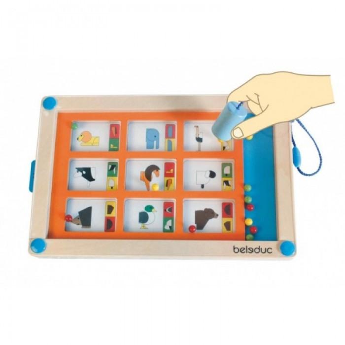 Beleduc Развивающая игра ЛогикитРазвивающая игра ЛогикитBeleduc Развивающая игра Логикит - интереснейшая игра, призванная задействовать развитие практически всех способностей ребенка, начиная от творческого мышления, до развития математических, логических и геометрических навыков.   Игра способствует многостороннему развитию ребенка и входит в число инновационных игр, входящих в обязательную учебную программу ведущих детских садов Европы.  В комплекте: 1 деревянная рамка с магнитным манипулятором 16 карточек с заданиями<br>