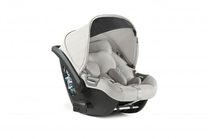 Автокресло Inglesina CAB для коляски ApticaГруппа 0-0+ (от 0 до 13 кг)<br>Автокресло Inglesina CAB для коляски Aptica - детское автокресло, разработанное для детей первых месяцев жизни (с рождения до 18 месяцев, приблизительно).  Эргономичная форма, просторные внутренние размеры и угол наклона спинки делают модель невероятно удобной для вашего малыша. Благодаря своей легкости (всего 4,4 кг) автокресло не создает никаких проблем при транспортировке, его просто установить на базу в автомобиле, подставку Standup или на шасси прогулочного блока. В модели предусмотрены боковая система защиты от ударов и мягкий подголовник из лайкры для поддержки правильного положения ребёнка. Cab можно установить с использованием удобной дополнительной базы, а также без нее.  Особенности:   Сертифицировано согласно европейскому стандарту ECER44/04, Группа 0+ (0-13 кг) Эргономичная форма и идеальный угол наклона гарантируют малышу правильное положение  Оснащено мягким подголовником из ткани джерси для правильной поддержки головы ребенка Регулируемый по высоте подголовник со встроенными в него 3-точечными ремнями безопасности, которые также можно регулировать по мере роста ребенка Ремни в области плеч и паха оснащены мягкими вставками из лайкры, позволяющими избежать контакта грубой ткани с нежной кожей малыша  Легко регулируемая в 4-х позициях ручка для переноски эргономичной формы  Cab можно использовать в домашних условиях как кресло-качалку или, установив его на подставку STANDUP Съемный регулируемый капюшон оснащен дополнительным выдвижным козырьком из солнцезащитной ткани (UPF50+) 149 отверстий, равномерно распределенных на поверхности кресла, для лучшей вентиляции  Оборудовано боковой системой защиты от ударов SIDE HEAD PROTECTION (SHP) Удобный механизм с обратной стороны спинки позволяет с легкостью снимать и устанавливать автокресло   Положение в машине – только против хода движения; кресло устанавливается как на заднем сиденье, так и на сиденье рядом с водителем только при услови