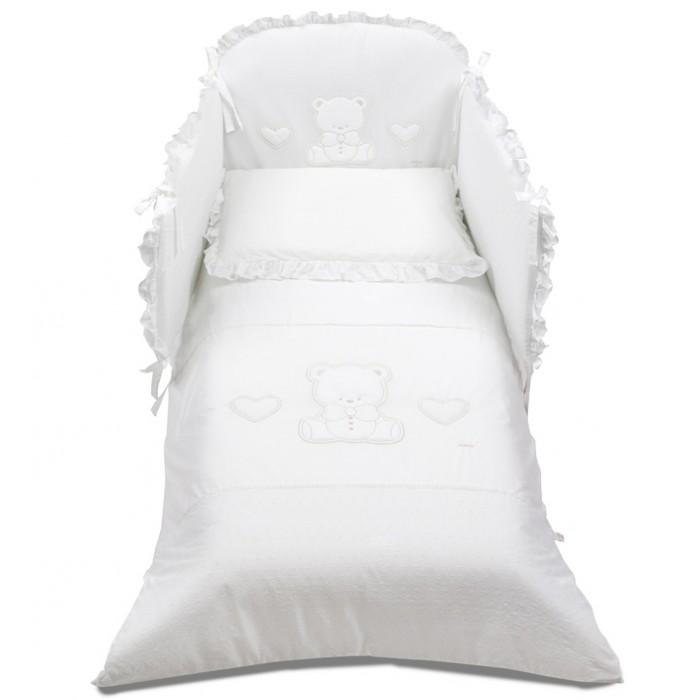 Комплект в кроватку Italbaby Amore (5 предметов)Amore (5 предметов)Комплект в кроватку Italbaby Amore (5 предметов) с забавной аппликацией в виде сердечек и мишек окунет Вашего малыша в атмосферу тепла и уюта.   Все постельное белье сертифицировано, изготовлено из гипоаллергенных материалов и полностью безопасно для малыша. Покрытие выполнено из нежнейшего 100% хлопка. Белье прекрасно подойдет для детской мебели ItalBaby.  Стирка в стиральной машине.   В комплекте: тонкое стеганое одеяло 75х130 см  пододеяльник 100х130 см  мягкий бампер 195х40 см  наволочка 40х60 см  простынь<br>