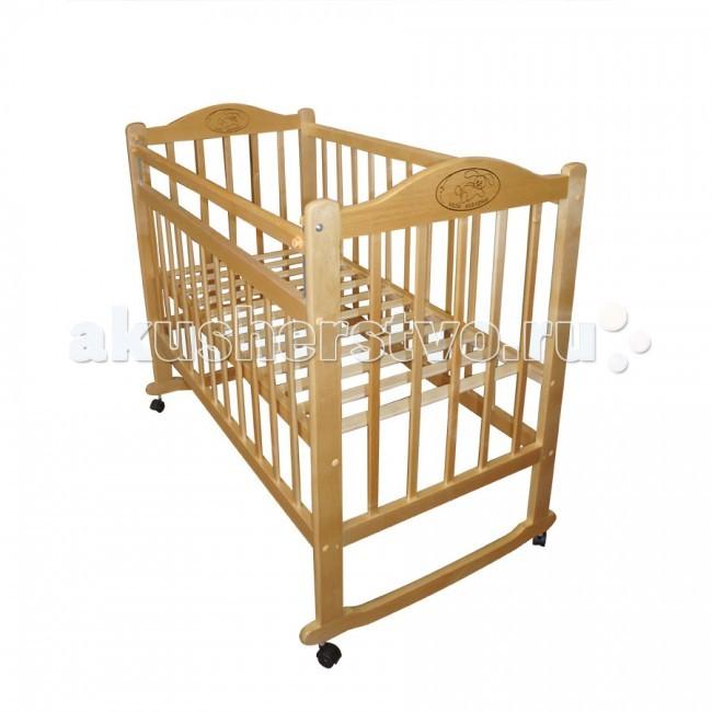 Детская кроватка Ивашка Мой малыш 4 колесо-качалкаМой малыш 4 колесо-качалкаДетская кроватка Ивашка Мой малыш 4 колесо-качалка выполнена из экологичных, гипоаллергенных материалов.   Кроватка обладает высоким качеством и комфортом, как для ребенка, так и для родителей. Благодаря современному дизайну и спокойной, мягкой расцветке она впишется в интерьер любой спальни или детской комнаты.  Кровать изготовлена из массива березы Имеются полозья для качания, также можно установить колесики для удобства перемещения кровати по квартире Положение боковой планки регулируется опускающимся устройством Боковая стенка съемная Специальная защитная накладка на бортиках Двойной уровень поддона Днище - реечное<br>