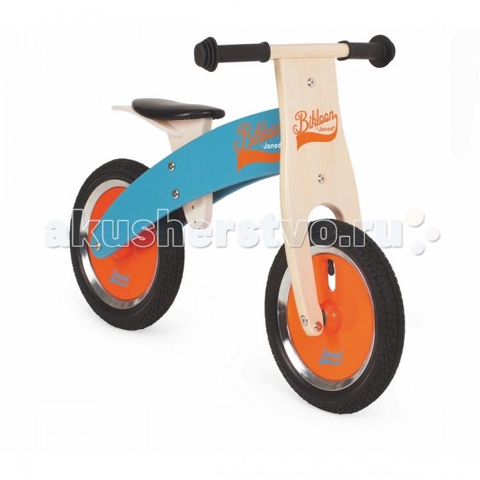 Беговел Janod BikloonBikloonБеговел Janod Bikloon от известного французского производителя прекрасно подойдет для детей от 3-х лет. С его помощью ребенок почувствует и поймает равновесие, и легко научится езде на велосипеде без вспомогательных колес. У беговела надувные колеса, удобное седло, регулируемые по высоте.  Седло и ручки сделаны из резины. Каркас беговела изготовлен из натурального дерева и окрашен специальными красками на водной основе, которые безопасны для детей.  Особенности:  Легкий вес Надувные колеса Регулируемое сидение по высоте Каркас из натурального дерева<br>