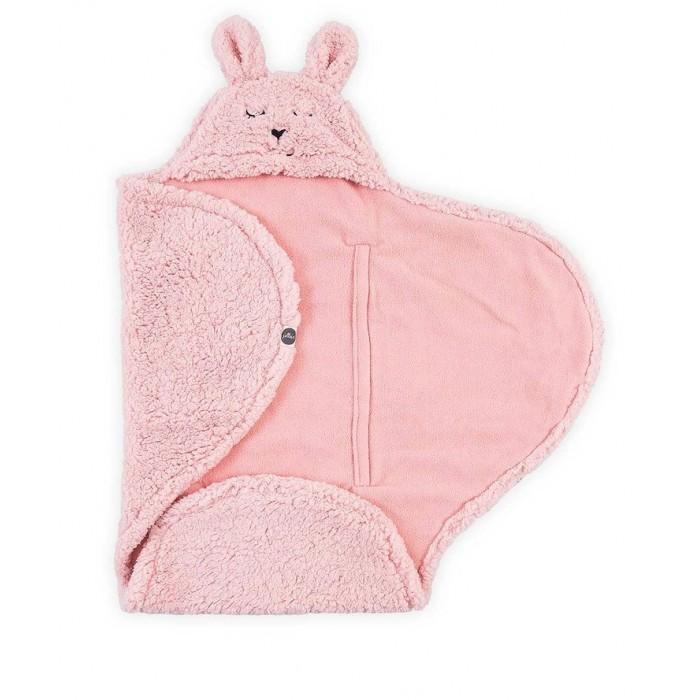 Jollein Меховое одеяло-конверт 100x105 смКонверты-трансформеры<br>Одеяло – конверт из наимягчайшего меха шерпа.   Шерпа - это ткань, которая отличается высокими показателями теплоизоляции, имеет согревающий эффект.   Универсальные продольные прорези для 3 и 5-ти точечных ремней безопасности для автокресла.   Подойдет для автокресла, люльки, прогулочной коляски.   Размер: 100х105 см.   Состав: 100% полиэстер  Голландский стиль коллекций Jollein отличается умеренностью и простотой, а также удобством и практичностью. Современные родители оценят дизайнерский минимализм, яркость цветов. Голландские дизайнеры не ограничивают родителей в своем выборе стандартных комплектов, они оставляют выбор за ними, давая возможность приобрести каждую вещь отдельно и оформить детскую в своем уникальном стиле. Jollein используют только натуральные ткани, их коллекции насчитывают до 1200 товаров.