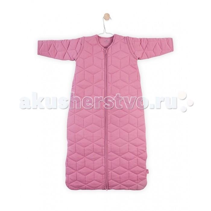 Спальный конверт Jollein со съемными рукавами 110 см ТОГ 2.2со съемными рукавами 110 см ТОГ 2.2Универсальный спальный мешок со съемными рукавами 110 см ТОГ 2.2.  Спальные мешки для новорожденных – это очень практичная замена одеялу. Малыш не сможет сбросить с себя, или наоборот закрыть себя с головой, что происходит, когда малыша накрывают одеялом. Малышу будет всегда комфортно и тепло в прохладное ночное время.   Спальные мешки предотвращают риски удушения. Удобные просторные формы позволят малышу занять привычную для сна позу. Различные варианты исполнения и материалы позволяют использовать спальник для новорожденного и летом, и зимой. Удобные замочки по всей длине спального мешка позволяют менять подгузники, не снимая сам спальный мешок. Нахождение в спальнике напоминает ребенку его ощущения в перинатальный период. Это способствует спокойному сну малыша, дает ему чувство защищенности.  Универсальный спальный мешок с рукавами сделан из 100%-го хлопка (джерси) с мелким узором.  Наполнитель гипоаллергенный сертифицированный (полиэстер).  Молния застегивается снизу вверх, благодаря чему можно спокойно переодевать подгузники, не снимая мешочек.  Соответствует ТОГ 2.2, комфортно при температуре 20-22 град.  Рукава съемные на молнии.  Размер: 110 см.<br>