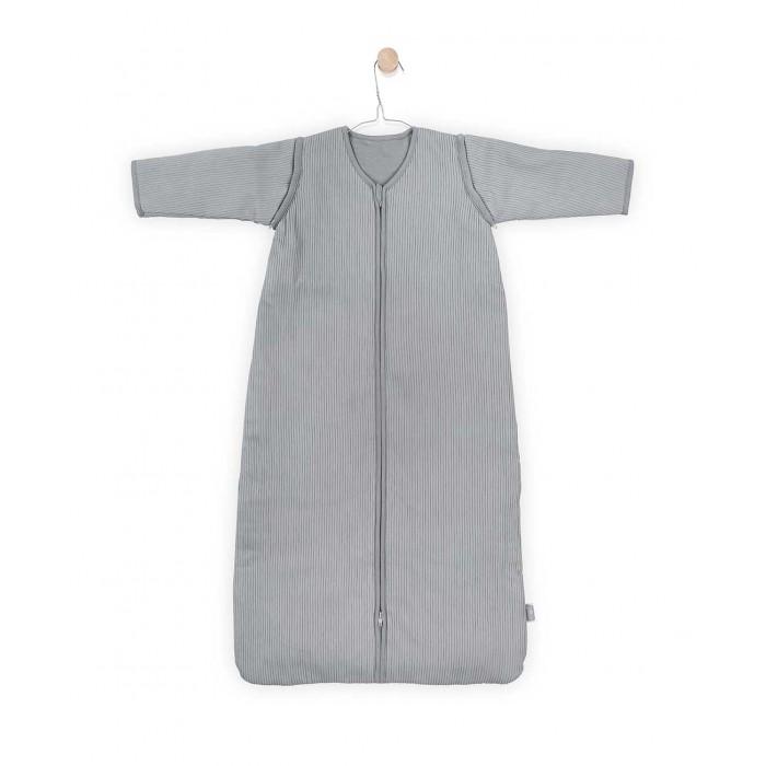 Спальный конверт Jollein со съемными рукавами ТОГ 2.2 RibСпальные конверты<br>Спальный конверт Jollein со съемными рукавами ТОГ 2.2 Rib   Спальные мешки для новорожденных и детей постарше – это очень практичная замена одеялу. Малыш не сможет сбросить с себя, или наоборот закрыть себя с головой, что происходит, когда малыша накрывают одеялом. Малышу будет всегда комфортно и тепло в прохладное ночное время.   Спальные мешки предотвращают риски удушения. Удобные просторные формы позволят малышу занять привычную для сна позу. Различные варианты исполнения и материалы позволяют использовать спальник для новорожденного и летом, и зимой. Удобные замочки по всей длине спального мешка позволяют менять подгузники, не снимая сам спальный мешок. Нахождение в спальнике напоминает ребенку его ощущения в перинатальный период. Это способствует спокойному сну малыша, дает ему чувство защищенности.  Универсальный спальный мешок со съемными рукавами из новой коллекции можно использовать в любой сезон, регулируя температуру нательным бельем. Молния застегивается снизу вверх, благодаря чему можно спокойно переодевать подгузники, не снимая мешочек.  Тог 2.2. Комфортно одевать при температуре 18-24 гр. Сверху мягкая вельветовая ткань 94% хлопок/6% спандекс, внутри 100% хлопок, наполнитель 100% полиэстер  Размеры: 0-6 мес. - 70 см 6-12 мес. - 90 см 12-24 мес. - 110 см.