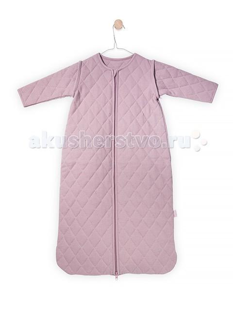 Спальный конверт Jollein со съемными рукавами 90 см ТОГ 1.7со съемными рукавами 90 см ТОГ 1.7Универсальный спальный мешок со съемными рукавами 90 см ТОГ 1.7.  Спальные мешки для новорожденных – это очень практичная замена одеялу. Малыш не сможет сбросить с себя, или наоборот закрыть себя с головой, что происходит, когда малыша накрывают одеялом. Малышу будет всегда комфортно и тепло в прохладное ночное время.   Спальные мешки предотвращают риски удушения. Удобные просторные формы позволят малышу занять привычную для сна позу. Различные варианты исполнения и материалы позволяют использовать спальник для новорожденного и летом, и зимой. Удобные замочки по всей длине спального мешка позволяют менять подгузники, не снимая сам спальный мешок. Нахождение в спальнике напоминает ребенку его ощущения в перинатальный период. Это способствует спокойному сну малыша, дает ему чувство защищенности.  Универсальный спальный мешок со съемными рукавами из новой коллекции можно использовать в любой сезон, регулируя температуру нательным бельем. Молния застегивается снизу вверх, благодаря чему можно спокойно переодевать подгузники, не снимая мешочек.  Тог 1.7. Комфортно одевать при температуре 18-24 гр. Выполнен из 100%-ого хлопка (джерси) высочайшего качества. Наполнитель: гипоаллергенный холлофайбер.  Размер: 47x90 см.<br>