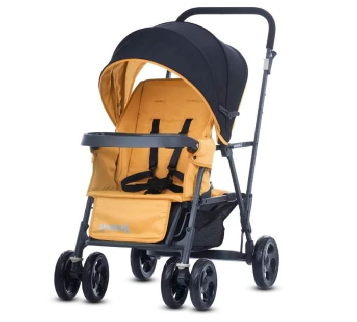 Joovy Коляска для погодок Caboose GraphiteКоляска для погодок Caboose GraphiteНевероятно компактная и маневренная прогулочная коляска для погодок или двойни Joovy Caboose. Предназначена для детей в возрасте 6 мес (переднее сидение) и от 2,5 лет (заднее сидение). Мягкий ход благодаря подвеске на передних колесах. Задняя площадка легко выдержит ребенка старшего возраста, если он устанет идти или встанет на нее, чтобы увидеть происходящее во время прогулки. Оснащена ручками за которые малыш может держаться во время прогулки. Она также имеет большую корзину и карманы для хранения всего необходимого во время путешествия или прогулки.  Особенности: Максимальный вес ребенка (переднее сидение): 21 кг Максимальный вес ребенка (заднее сидение): 21 кг Минимальный возраст ребенка (переднее сидение): 6 мес Минимальный возраст ребенка (заднее сидение): 2,5 года Максимальный рост ребенка (переднее сидение): 102 см Максимальный рост ребенка (заднее сидение): 112 см Компактная маневренная коляска для погодок или двойни Удобное переднее сидение с двумя углами наклона спинки до 130 гр Большой капор для надежной защиты от солнца и ветра Съемный столик/универсальный адаптер под автомобильное кресло Вместительная корзина с эластичными бортами Мягкий ход благодаря подвеске на передних колесах Фиксируемые передние колеса Светоотражающие элементы для безопасности в темноте Двухуровневая регулируемая подножка Регулируемый пятиточечный ремень безопасности  Сидение для второго ребенка приобретается отдельно.<br>