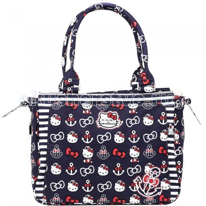 Ju-Ju-Be Сумка для мамы Be Classy Hello KittyСумка для мамы Be Classy Hello KittyJu-Ju-Be Сумка для мамы Be Classy Hello Kitty элегантна, женственна, вписывается в деловой стиль. Ее можно носить на работу, а на выходных использовать как классическую мамину сумку для прогулок с ребенком.  Особенности: Как и все сумки для мам от ju-ju-be, модель Be Classy можно повесить на коляску за специальные металлические ушки (крепления продаются отдельно). Если коляска уже не актуальна, к этим же ушкам крепится ремень, который позволит носить сумку через плечо. Можно не пользоваться ремнем, потому что у этой модели есть и стильные ручки Переднее отделение на молнии для маминых вещей – фирменная деталь сумок от ju-ju-be. Для вашего удобства в этом отделении расположены поводок для ключей, очечник и несколько кармашков для денег и мелких вещей С тыльной стороны сумки расположен кармашек на молнии для телефона, который легко найти на ощупь одной рукой. Так же в этой части сумки расположено большое отделение на молнии для пеленального коврика. Если коврик уже не актуален, сюда удобно складывать документы. Коврик идет в комплекте с сумкой Внутри – одно просторное отделение с множеством различных кармашков. В организации сумки соблюдены все фирменные детали организации: специальные отверстия для вытряхивания мусора из уголков, сетчатые кармашки на резинке, маленькие карманы на молнии, специальная ткань для очечника и вместилища телефона, которая заодно протирает стекло Дно сумки защищено металлическими ножками Материалы, из которых сшита эта сумка, отвечают самым современным технологическим требованиям Внутренние термокарманы для бутылочек c утеплителем Тинсулейт. Доступ к ним есть с торцов сумки, они закрываются на молнии и снаружи практически не заметны Внешняя ткань с тефлоновой пропиткой отталкивает грязь Яркий подклад с ионами серебра Качественная металлическая фурнитура очень прочна Сумку можно стирать в стиральной машине Рекомендуется сушка на открытом воздухе.<br>
