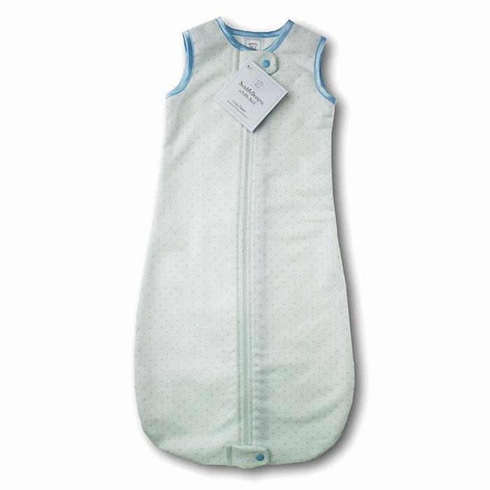 Спальный конверт SwaddleDesigns zzZipMe премиум фланель 3-6 мес.zzZipMe премиум фланель 3-6 мес.Спальный конверт zzZipMe для новорожденных SwaddleDesigns отличное решение для детей готовых к переходу ко сну без пеленок (обычно это возраст от 3-х месяцев и старше). Спальный мешок держит ножки ребенка в тепле и не сковывает движений, позволяет ребенку сладко и мирно спать всю ночь.  Отличительная особенность спальных мешков для новорожденных SwaddleDesigns это двойная молния которая закрывается/открывается снизу вверх и сверху вниз благодаря чему смена подгузника осуществляется столь же легко, как если бы ребенок был раздет.  Характеристики:  Молния вшита таким образом, что не касается тела ребенка Предназначен для сна при температуре окружающей среды 22-26°С от 3 до 6 месяцев (до 70 см) Состав: 100% хлопок, премиум фланель Рекомендации по уходу: Машинная стирка при 30°С, деликатный отжим.<br>