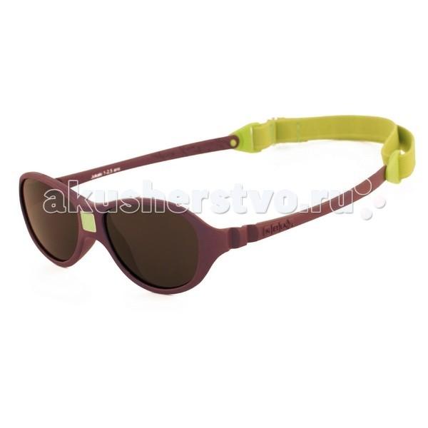 Солнцезащитные очки Ki ET LA Jokaki 1-2.5 летJokaki 1-2.5 летМодная оправа, специально разработанная для маленьких бесстрашных ислледователей.  Гипоаллергенный эластомер без каких-либо креплений и отсоединяющихся частей, обеспечивающий максимальный комфорт. Круглые выпуклые линзы для защиты от ультрафиолетовых лучей. Максимальная защита от царапин, небьющиеся стёкла 4 категории защиты (100% UVA и UVB фильтры). Ширина лица 100 мм, ширина линз 30 мм.  Каждые очки комплектуются: • Мешочком из органического хлопка • Съёмной соединительной резинкой • Наклейкой • Инструкцией   Состав: оправа из гипоаллергенного эластомера, линзы из поликарбоната.   Солнцезащитные очки Ki ET LA разработаны во Франции специалистом в области детских солнцезащитных очков. Оправа идеально адаптирована к морфологии лица ребенка. 3 разных стиля и 4 размера для малышей от 0 до 4 лет. Высокое качество и безопасность используемых материалов. Возможность замены линз на диоптрические. Идеальны для слингоношения! Глазки малыша всегда защищены от ярких лучей солнца. Максимально комфортны! Дети любят их носить!!   100% защита 1.Ширина линз более 30 мм, что гарантирует лучшую защиту детских глаз, особенно в тех случаях, когда дети смотрят вверх (а делают они это постоянно) 2.Высшая 4-я степень защиты от УФ-лучей. Очки с такой степенью защиты подходят для горных и морских видов активности 3.Линзы изготовлены из высококачественного поликарбоната. Обладают повышенной устойчивостью к царапинам и ударам   100% безопасность 1.Ударопрочные линзы 2.Отсутствие мелких деталей и болтиков, которые дети могут проглотить 3.Гибкая неломающаяся оправа 4.Отсутствие длинного шнурка   100% комфорт 1.Легкая и мягкая оправа 2.Мягкие тонкие дужки, которые не травмируют ушки ребенка 3.Дети с удовольствием носят солнцезащитные очки Ki ET LA   100% экологичность Оправа подлежит 100% переработке<br>