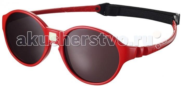 Солнцезащитные очки Ki ET LA Jokakids 4-6 летJokakids 4-6 летМодная оправа, специально разработанная для маленьких бесстрашных ислледователей.  Гипоаллергенный эластомер без каких-либо креплений и отсоединяющихся частей, обеспечивающий максимальный комфорт. Круглые выпуклые линзы для защиты от ультрафиолетовых лучей. Максимальная защита от царапин, небьющиеся стёкла 4 категории защиты (100% UVA и UVB фильтры).  Каждые очки комплектуются: • Мешочком из органического хлопка • Съёмной соединительной резинкой • Наклейкой • Инструкцией   Состав: оправа из гипоаллергенного эластомера, линзы из поликарбоната.   Солнцезащитные очки Ki ET LA разработаны во Франции специалистом в области детских солнцезащитных очков. Оправа идеально адаптирована к морфологии лица ребенка. 3 разных стиля и 4 размера для малышей от 0 до 4 лет. Высокое качество и безопасность используемых материалов. Возможность замены линз на диоптрические. Идеальны для слингоношения! Глазки малыша всегда защищены от ярких лучей солнца. Максимально комфортны! Дети любят их носить!!   100% защита 1.Ширина линз более 30 мм, что гарантирует лучшую защиту детских глаз, особенно в тех случаях, когда дети смотрят вверх (а делают они это постоянно) 2.Высшая 4-я степень защиты от УФ-лучей. Очки с такой степенью защиты подходят для горных и морских видов активности 3.Линзы изготовлены из высококачественного поликарбоната. Обладают повышенной устойчивостью к царапинам и ударам   100% безопасность 1.Ударопрочные линзы 2.Отсутствие мелких деталей и болтиков, которые дети могут проглотить 3.Гибкая неломающаяся оправа 4.Отсутствие длинного шнурка   100% комфорт 1.Легкая и мягкая оправа 2.Мягкие тонкие дужки, которые не травмируют ушки ребенка 3.Дети с удовольствием носят солнцезащитные очки Ki ET LA   100% экологичность Оправа подлежит 100% переработке.<br>