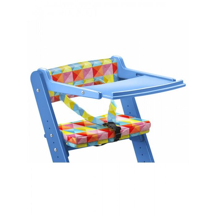 Конёк Горбунёк  Столик для стула с ограничителем (синий)Аксессуары для мебели<br>Конек Горбунёк Столик для стула с ограничителем (синий) используется вместе с удерживающим устройством.   В такой комплектации он полностью заменяет стульчик для кормления и его можно использовать для малышей от 6 месяцев.  Ширина столика 420 мм, длина регулируется в диапазоне 470 - 540 мм в процессе роста ребенка. Регулировка производится изменением фиксирующего отверстия в торце столика и затяжкой мебельного самореза с внутренним шестигранником.  Собранный столик одевается на спинку стульчика до упора. Данная конструкция позволяет одним движением снять или поставить столик на растущий стул, полностью исключая то, что это сделает ребенок сидящий в стульчике.  Детское удерживающее устройство - «Ограничитель» надежно зафиксирует вашего ребенка в регулируемом стуле. Вы можете не бояться, что ребенок упадет с него по неосторожности. Ограничитель прост в использовании, мягкие сиденье и спинка - удобные и комфортные для малыша. Они легко моются и чистятся.  Внимание! На фото отображается полная комплектация товара: столик для растущего стула + ограничитель для малышей + мягкая подушка на сиденье. Вы можете выбрать по своему усмотрению либо полный комплект дополнительных аксессуаров, либо только столик с ограничителем!  Внимание! Для детей младше 3-х лет столик необходимо использовать вместе с удерживающим устройством - ограничителем.  Быстро устанавливается и снимается Регулируется по длине Превращает стул в столик для кормления Практичные бортики по бокам
