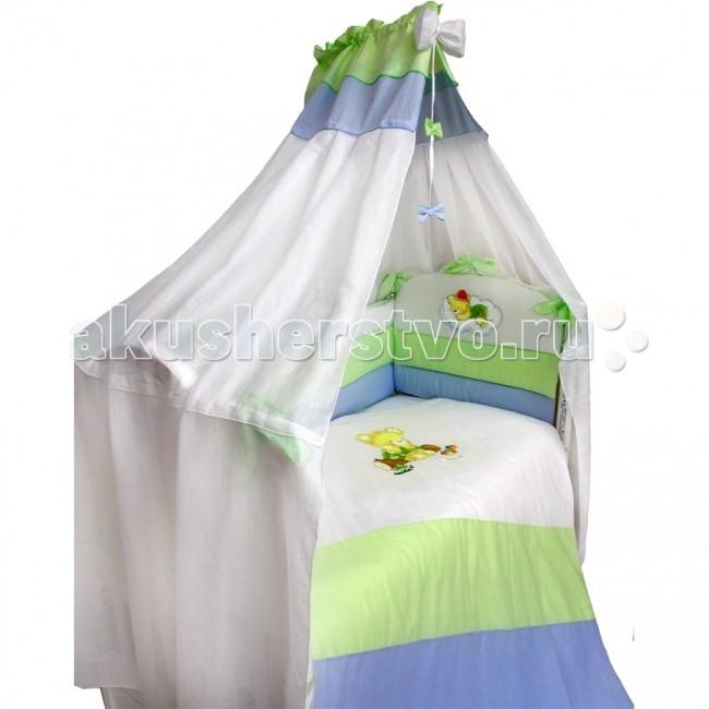 Комплект в кроватку Labeille Capriccio (7 предметов)Capriccio (7 предметов)Жизнерадостный дизайн набора в кроватку Капричио в разноцветную полосочку обязательно понравится Вам и Вашему малышу. Удачное цветовое решение никого не оставит равнодушным, а замечательная аппликация в виде мишки дополнит, разнообразит и освежит интерьер детской комнаты.  Комплект детского белья Капричио изготовлен из 100% хлопка, включая нить для швов. Аппликация выполнена по специальной технологии, которая позволяет сохранить ее в первозданном виде даже после многочисленных стирок. Только гладить рекомендуется с обратной стороны или через марлю. Комплект изготовлен с соответствием с самыми высокими требованиями качества детской продукции. Родители могут быть спокойны за здоровье своего малыша.   Дизайн и расцветка комплекта Капричио поможет сформировать малышу положительную реакцию на окружающий его мир, с первых дней жизни. Комплект выполнен из 100% хлопка. Обладает всеми соответствующими свойствами: прочность, гигроскопичность, воздухопроницаемость. Приобретая такой комплект своему ребенку, Вы будете пользоваться самым современным, приятным на ощупь и уютным бельем.  Комплект состоит из 7 предметов: балдахин 1.7 х 4.0 м бампер защитный 3.6 х 0.4 м подушка 0.4 х 0.6 м наволочка 0.4 х 0.6 м простыня 0.98 х 1.45 м одеяло 1.06 х 1.42 м пододеяльник 1.08 х 1.45 м  Наполнитель: холлкон гипоаллергенный, всесезонный Материал: бязь<br>