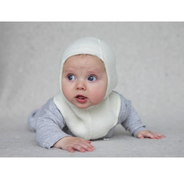 Lana Care Шапка-шлем 6-9 мес.Шапка-шлем 6-9 мес.Шапки-шлемы Lana Care из шерсти мериноса созданы для самых заботливых мам - в такой шапочке ушки и горлышко вашего малыша надежно защищены от ветра и холода. Шерсть мериноса в процессе производства обрабатывается натуральным ланолином, в результате чего изделия получаются очень мягкими, не колются и не электризуются и не раздражают нежную кожу малышей.  Гипоаллергенно Прекрасно держат форму, надежно защищая уши и горло ребенка от ветра и холода 100 % шерсть, прекрасная терморегуляция Шерсть абсорбирует влагу, в результате чего голова малыша остается всегда сухой<br>