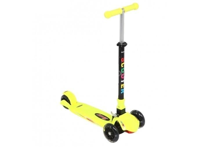 Трехколесный самокат Leader Kids QQBearQQBearLeader Kids Самокат трехколесный QQBear со сдвоенными передними колесами.   Легкая и надежная модель, самокат очень устойчив и подойдет детям с 3-х лет.  Широкая платформа, самокат трехколесный, 2  колеса спереди, Регулируемая высота руля  сдвоенные передние колеса силиконовые колёса обеспечивают бесшумную езду удлинённая платформа позволяет легко и удобно разместить на ней обе ноги при движении колеса: гелевые количество колес: 3 тип тормоза: ножной Вес: 1.91 кг<br>