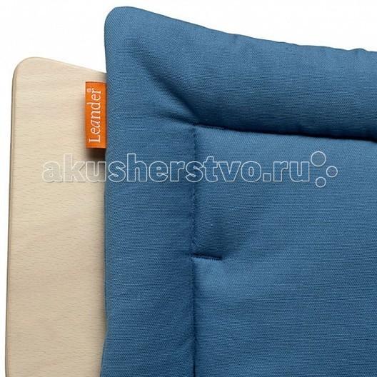 Leander Подушка для стульчикаПодушка для стульчикаLeander Подушка для стульчика  Мягкая и легко стирающаяся подушка для стульчика Leander обеспечит комфорт и добавит всплеск цвета в интерьер.   Особенности:  стеганная, мягкая подушка для стульчика Leander состоит из двух частей: на сиденье и под спинку  крепится на липучках  можно стирать при температуре 40С Шесть цветов позволят вам выбрать подушку по вашему вкусу и настроению.   Материалы: 100% хлопок.  Машинная стирка не выше 60 C<br>