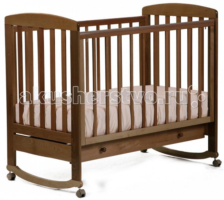 Детская кроватка Кубаньлесстрой АБ 16.1 Ромашка качалка с ящикомАБ 16.1 Ромашка качалка с ящикомДетская кроватка Кубаньлесстрой АБ 16.1 Ромашка из бука. Бук относится к ценным породам древесины и считается лучшим материалом для кроватки малыша первых лет жизни, т.к. такие кроватки хорошо пропускают воздух и в прямом смысле позволяют свободно дышать своему маленькому хозяину.   У кроваток дно выполняется из бука, и соответственно оно более прочно, не боится влаги, экологически чисто.   большой ящик колеса без фиксатора качалка передняя боковина опускается в удобное для Вас положение при помощи фиксатора  авто стенка имеет скрытый механизм опускания, что безопасно для малыша и исключает травмы  авто стенка легко снимается через верх без дополнительных усилий и кроватка превращается в кровать-кушетку  силиконовые накладки на боковинах кроватки три уровня положения ложа кровать оборудована съемными колесами, которые вкручиваются в металлические втулки  колеса демонтируются и кровать становится кроватью- качалкой  Обращаем Ваше внимание, что во всех кроватках 2012 года изменился дизайн автостенки и задней стенки кроватки, для новых моделей применяют узкую ламель. Если безопасная ширина между ламелью в партиях 2011 года составляла 65 мм, то ширина в партиях 2012 года составляет 80 мм. Подробнее смотрите на фото.  Габаритные размеры в собранном виде 125х72х108.5 см  Габаритные размеры в упакованном виде 125х74х14 см  Высота ложа от пола(1,2,3 уровни) 36.9х48.1х57.7 см Внутренние размеры ящиков (коробов) 116х43х10 см Вес 26 кг    В расцветке слоновая кость цвет ложа может быть белым (зависит от поставки).  Кроватка с 3-мя съёмными рейками на передней стенке<br>