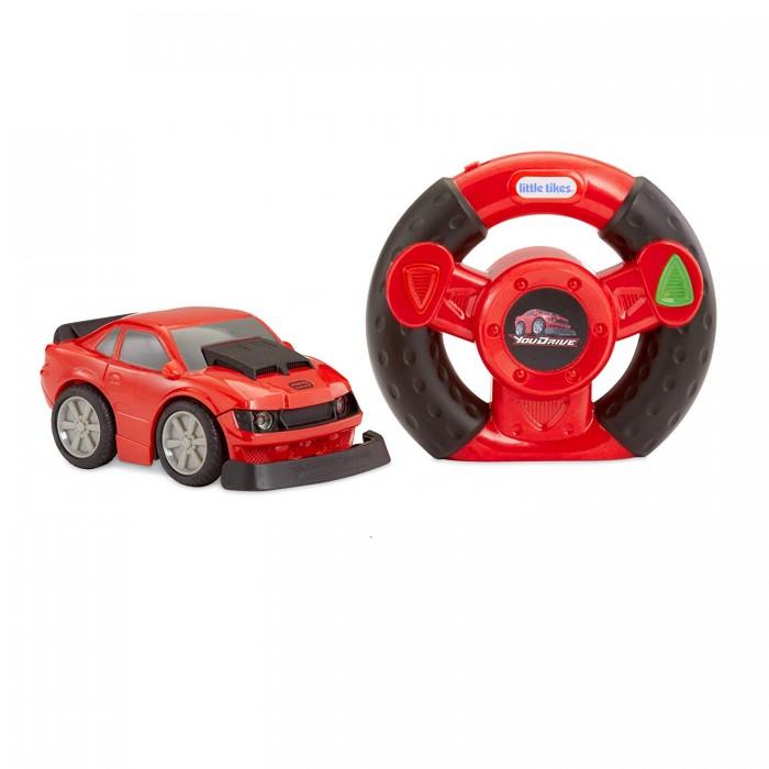 Little Tikes Спорткар 648908Машины<br>Little Tikes Спорткар 648908 – идеальный вариант для первой машинки на пульте управления с максимально простым функционалом для мальчиков от 3 лет.  Дети могут почувствовать себя настоящим гонщиком, держа в руках реальный руль и управляя детализированным спортивным автомобилем, очень похожим на настоящий. У машинки при езде светятся фары.   Вождение предельно простое – на эффектном реалистичном руле есть всего 2 кнопки: запуск и остановка, которые удобно расположены под большими пальчиками.  Красный спорткар Red Muscle Car YouDrive - это самый простой в использовании автомобиль с полнофункциональным дистанционным управлением для малышей.   Для игры с машинкой нужно приобрести 4 пальчиковых батарейки типа ААА.