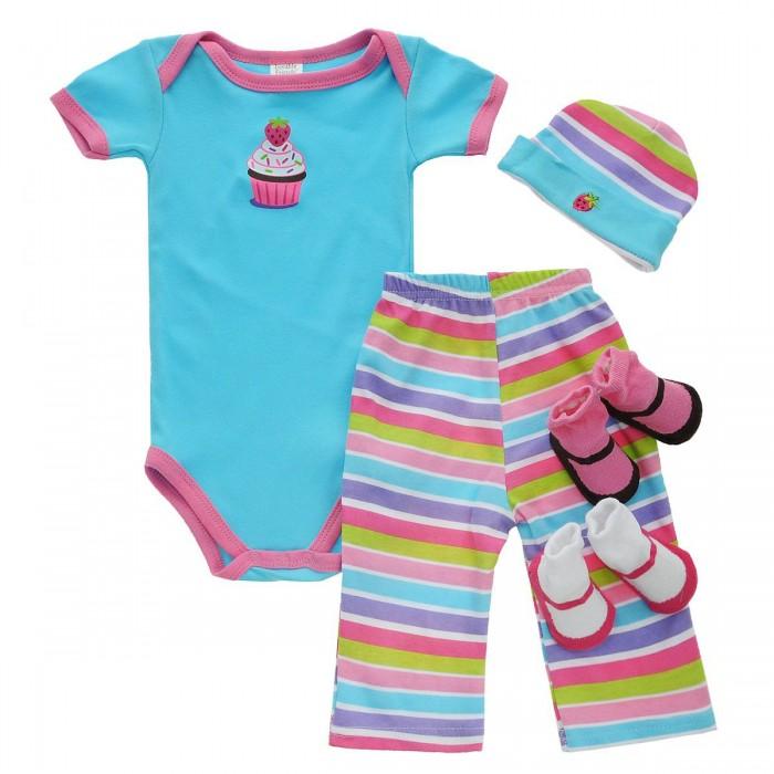 Luvable Friends Подарочный набор одежды (5 предметов) 07133Подарочный набор одежды (5 предметов) 07133Luvable Friends Подарочный набор включает шесть основных предметов гардероба новорожденного. Комплект поставляется в красивой подарочной упаковке с ленточкой.  Носочки предназначены для детей: от 0 до 6 мес. Размер 55-67 см  В комплекте: боди к/р футболка к/р штанишки шапочка носочки нагрудник  Уход: Стирка при t не более 40С. Не отбеливать. Гладить при t не более 110С. Сушка в барабане при более низкой t.<br>