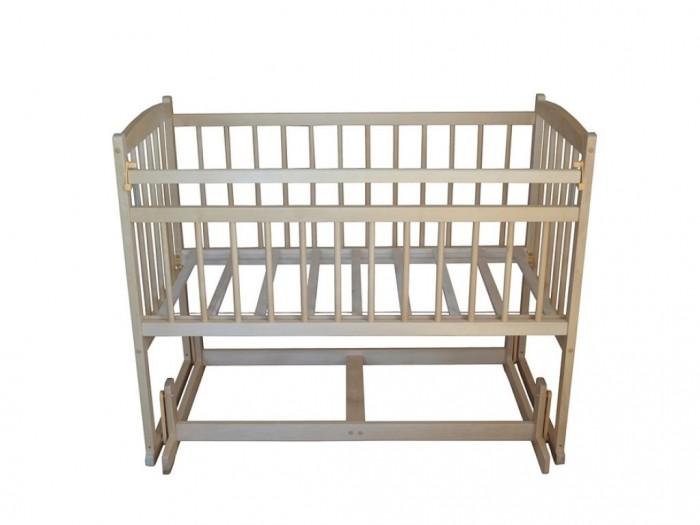 Детская кроватка Массив Беби 4 Разборная поперечный маятникДетские кроватки<br>Массив Кровать Беби 4 Разборная поперечный маятник изготовлена с учетом действующих из экологически чистого материала - древесины березы, что гарантирует долговечность и прочность кроватки.  Преимущества детских кроваток Беби 4: возраст: 0+ изготовлена из натурального материала — древесины березы поверхность конструкции обработана нетоксичными красками и лаками на водной основе ламели на боковых ограждениях находятся на безопасном расстоянии друг от друга ортопедическое ложе имеет одно положение маятник поперечного качания откидная планка позволяет без труда получить доступ к ребенку поставляется в разобранном виде, легко собирается. Спальное место 120 x 60 см