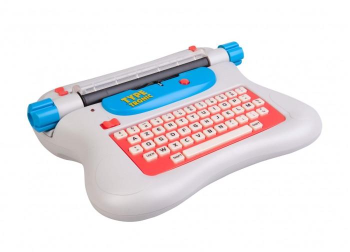 Mehano Детская электрическая печатная машинка Е118 Английский шрифтДетская электрическая печатная машинка Е118 Английский шрифтДетская электрическая печатная машинка Е118 Английский шрифт Mehano  Электрическая печатная машинка с 90 символов клавиатуры QWERTY. Learn.   Поставляется с сетевым адаптером (батарейки не требуются) Полный набор знаков, включающий заглавную и строчную английские буквы, числа и знаки препинания. Восемьдесят знаков для отличной печати.   Ваш ребенок научится быстро печатать на настоящей печатной машинке!   Технические характеристики:  Клавиатура: полный набор символов, включая верхний и нижний регистр букв, цифр и знаков препинания  Эргономичная машинка с электронными функциями  Интервал между знаками 2,54 мм (или 10 знаков в дюйме);  Заменяемая кассета с красящей лентой;  Максимально количество знаков в строке - 67;  Максимальная ширина бумаги - 215 мм.  Позволяет набирать текст со скорость до 8 символов в секунду!  Автоматическая система прокрутки ленты  Есть возможность замены ленты   Такую игрушку можно рекомендовать для активного развития мелкой моторики (для получения отпечатка нужно приложить вполне ощутимое усилие), для развития навыков аккуратности (ошибки при печати возможно исправить только про помощи корректирующей жидкости).   Великолепная печатная машинка, с помощью которой ребенок сможет научиться не только основам машинописи, но и печатать десятипальцевым методом, выполнять работу с рукописного и печатного текстов, правильно располагать цифровой и печатный материал, оформлять любые виды документов и документов личного характера, даже изучать основы секретарского дела…   Состав комплекта: электронная пишущая машинка, трансформатор (работает от сети), кассета и инструкция. Цвета в ассортименте.<br>