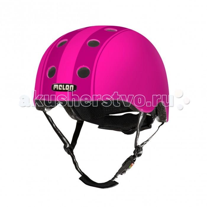 Melon Велосипедный шлем размер 52-58Велосипедный шлем размер 52-58Велосипедные шлемы Melon - очень легкие и супер прочные. Многообразие ярких расцветок. К каждому шлему прилагается три комплекта съемных прокладок разного размера. С их помощью подбирается идеальная комфортная посадка по голове.  Шлема немецкого бренда Melon обладают рядом важных преимуществ: Внутри шлема расположены съемные прокладки Coolmax®. Они изготовлены из мягкого пенообразующего материала, что обеспечивает отличный влагообмен и гигиеническую чистоту, т.к. прокладки можно стирать при 30°С. Шлем оснащен запатентованной системой вентиляции MACS™ Melon®, которая состоит из воздушных каналов и 12 вентиляционных отверстий. Для безопасной и удобной посадки шлема используется запатентованная система Spin Dial®. Она представляет собой кольцо и направляющие, с помощью которых происходит идеальная регулировка посадки. Система съемная. Внутренняя оболочка сочетает в себе повышенную ударопрочность и вместе с тем суперлегкость. Шлем оснащен интегрированными ремнями, обладающими высокой прочностью при растяжении.  Запатентованная магнитная пряжка Fidlock® позволяет с легкостью застегнуть ремни шлема одной рукой. Вес шлема 250 грамм (без съемной системы Spin Dial®) Высокая степень безопасности достигается также при помощи светоотражающих вставок в ремнях, стикерах и логотипах на поверхности шлема.  Размер M-L – окружность головы 52-58 см.<br>