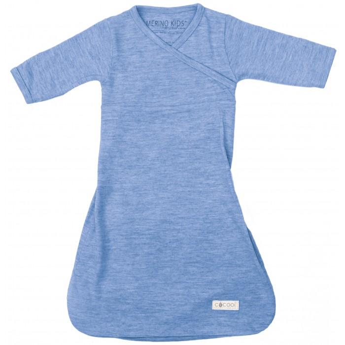 Merino Kids Ночная сорочка CocooiПижамы и ночные сорочки<br>Выбирая для своего ребенка ночную рубашку COCOOI™, вы обеспечиваете ему наилучшие условия для сна. Сорочка изготовлена из 100% чистой тонкой мериносовой шерсти. Благодаря уникальным свойствам мериносовой шерсти ткань дышит, поглощает и отводит влагу от вашего малыша при жаркой погоде, и помогает ему сохранять тепло в холодное время.  Мериносовое волокно – мягкий и эластичный материал, поэтому он позволяет ребенку двигаться естественным образом во время сна. Дети, которые спят в одежде Merino Kids из мериносовой шерсти, быстрее засыпают и лучше спят. Мериносовое волокно используется для детей, страдающих аллергиями, экземой и рекомендуется для чувствительной кожи.  По низу рукавов имеются конструктивные манжеты, отворачивая которые Вы можете спрятать ручки малыша наподобие рукавичек - малыш не сможет поцарапать себя.  Уникальной особенностью сорочки является конструкция отверстия, позволяющая легко отстегнуть ремни безопасности и переместить ребенка из детской коляски или автомобиля в кроватку - Ваш малыш спокойно продолжит спать в кроватке, уснув во время путешествия.  Сорочка легко раскрывается снизу для быстрой смены подгузников.  Длина сорочки COCOOI 56 размера (0 мес.)- 54 см Длина сорочки COCOOI 62 размера (0-3 мес.) - 56 см