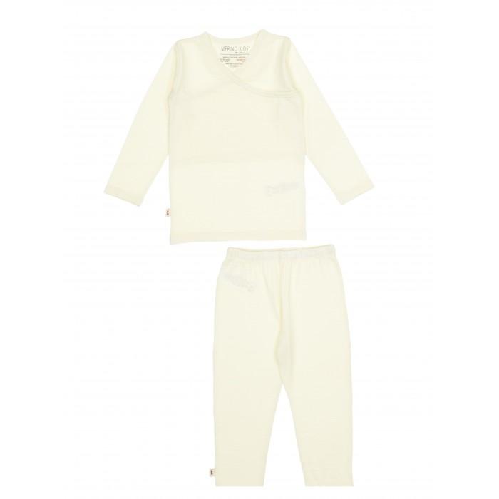 Merino Kids Пижама из шерсти мериносаПижама из шерсти мериносаПижама Merino Kids, выполненная из 100% тонкого мериносового волокна, подходит для сна ребёнка в любое время года.   Состоит из кофточки с длинным рукавом и штанишек с мягкой резинкой. Для удобства надевания кофточка имеет широкий ворот с запахом. Мягкое и эластичное мериносовое волокно не стесняет движений ребёнка во сне.  Воздушная прослойка, образуемая между слоями мериносового полотна, обеспечивает регулирование температуры и вся влага, создаваемая телом ребёнка, проходит через слои наружу. Это позволяет ребёнку оставаться в тепле, когда холодно, и в прохладе, когда жарко. Такие условия являются идеальными для сна малыша.  Материал: 100% шерсть мериноса Уход: деликатная машинная стирка и сушка  Размеры: 80 р-р - 6-12 мес. 92 р-р - 12-24 мес. 98 р-р - 2-3 года 104 р-р - 3-4 года 110 р-р - 4-5 лет<br>