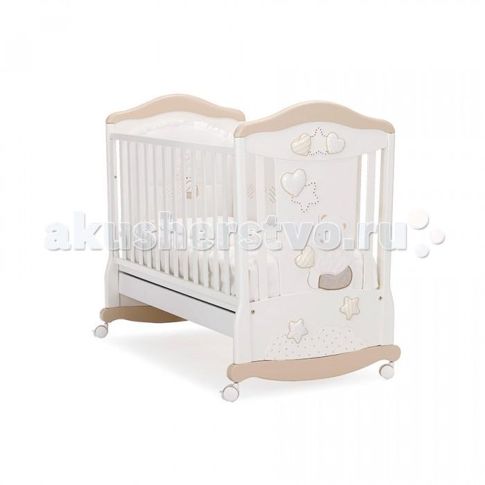 Детская кроватка MIBB StellaStellaДетская кроватка MIBB Stella   Детская мебель известной итальянской компании Mibb покорит Вас своим изящным внешним видом и высоким качеством сборки. Детская кроватка Mibb Stella выполнена из массива бука.  За счет применения этого экологически чистого и прочного материала кровать сохранит первозданный вид и прослужит Вам долгие годы. Идеально отполированные детали Mibb Stella обработаны нетоксичными лаками и красками.  Высококачественное покрытие, обладающее защитными и декоративными свойствами, устойчиво к внешним воздействиям. Лакокрасочные материалы не вызывают аллергических реакций и безопасны для здоровья вашего ребенка.  Благодаря глянцевому покрытию малыш не получит заноз. Mibb Stella не имеет острых углов, что, безусловно, повышает безопасность эксплуатации кровати. Кроха не узнает, что такое ссадины и ушибы.  Детская кроватка оснащена дугами-полозьями для раскачивания, с помощью которых родители смогут убаюкать малыша, не прилагая особых усилий. Mibb Stella оборудована четырьмя колесами, два из которых имеют фиксаторы.  Самоориентирующиеся колеса помогают перемещать кроватку по комнате, а фиксирующий механизм позволяет ей оставаться неподвижной.  Ортопедическое ложе, состоящее из деревянных реек, позволяет поддерживать позвоночник ребенка в анатомически правильном положении. Дно не регулируется по высоте.  Фасады кроватки сделаны из ламинированного МДФ. Одна из боковин Mibb Stella съемная, поэтому кроватку легко превратить в современный диван. Передний бортик можно отрегулировать в 2-ух положениях по высоте или же просто снять.  В Mibb Stella есть вместительный ящик из ДСП для хранения белья и игрушек.  Спинки кроватки декорированы аппликацией в виде плюшевого медвежонка, а сверху и снизу они украшены мягкими сердечками и звездочками, расшитыми кристаллами Swarovski.  Верхняя панель изголовья и дуги-полозья отличаются от остальной части кроватки по цвету. Они выполнены в цветах: «джинс» или «песок», в зависимости от версии