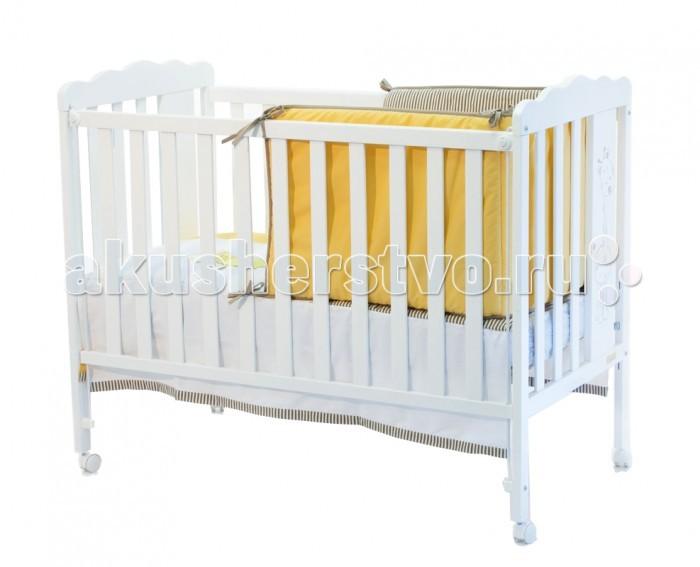 Детская кроватка Micuna Baby Giraffe с матрацемBaby Giraffe с матрацемMicuna Baby Giraffe: чтобы подарить малышу улыбку   Новая кроватка от испанских дизайнеров Micuna Baby Giraffe – новый друг для малыша. Весёлый, но немного застенчивый жираф на спинке кровати будет дарить ребёнку улыбку и солнечное настроение каждый день. Baby Giraffe создана в лучших традициях Micuna: выполненная из крепкого натурального бука, кровать надёжная и устойчивая. Колёсики с блокировкой позволяют легко передвигать кроватку по комнате и фиксировать её в выбранном месте – очень удобно для родителей. Плавные формы, украшенные забавным детским рисунком, гармонично сочетаются с чётким ритмом ламелей и в очередной раз подчёркивают отличное чувство стиля испанских дизайнеров.   Особенности: бортик кроватки опускается;  ложе регулируется по высоте – 2 позиции;  посредством снятия бортика кроватка легко превращается в диванчик;  колёсики с блокирующим стопором;  материал: бук, МДФ;  закрытые шурупы и болты;  в комплект не входит ящик для кровати, но его можно заказать дополнительно;  дополнительная опция – качалка.  Вес с упаковкой (брутто): 21 кг Объем: 0,18 м3  Размеры:   кроватка (ДхВхШ): 125x96х65 см;  постельное бельё: 120х60 см (в комплект не входит, можно заказать дополнительно).<br>