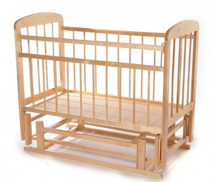Детская кроватка Уренская мебельная фабрика 11 поперечно-продольный маятникДетские кроватки<br>Кроватка Мишутка-11 поперечно-продольный маятник  подходит для детей от рождения до 3-х лет натуральное дерево - массив березы дно кроватки устанавливается в 2- х уровнях по высоте для удобства укачивания малыша предусмотрен поперечно - продольный маятниковый механизм.  жесткое основание спального места делает сон ребёнка более здоровым и полезным для позвоночника                                                                                покрыта безопасным для здоровья ребёнка лаком       отсутсвие острых углов Размер спального места, см: 120x60 Размер кроватки, см: 125x70x105