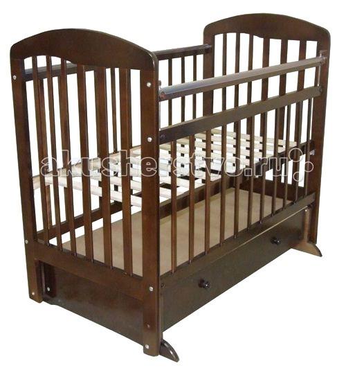 Детская кроватка Ивашка Мой малыш 10 маятник продольныйМой малыш 10 маятник продольныйДетская кроватка Ивашка Мой малыш 10 маятник продольный выполнена из экологичных, гипоаллергенных материалов.   Кроватка обладает высоким качеством и комфортом, как для ребенка, так и для родителей. Благодаря современному дизайну и спокойной, мягкой расцветке она впишется в интерьер любой спальни или детской комнаты.  Украшена кристаллами Сваровски Кровать изготовлена из массива березы Механизм маятника продольный Положение боковой планки регулируется опускающимся устройством Боковая стенка съемная Специальная защитная накладка на бортиках Есть фиксатор, предотвращающий раскачивание кроватки Двойной уровень поддона Ящик на роликовых направляющих с системой блокировки от выпадения Ящик сверху закрыт фанерой<br>
