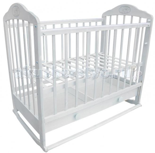 Детская кроватка Ивашка Мой малыш 7 колесо-качалкаМой малыш 7 колесо-качалкаДетская кроватка Ивашка Мой малыш 7 колесо-качалка выполнена из экологичных, гипоаллергенных материалов.   Кроватка обладает высоким качеством и комфортом, как для ребенка, так и для родителей. Благодаря современному дизайну и спокойной, мягкой расцветке она впишется в интерьер любой спальни или детской комнаты.  Кровать изготовлена из массива березы Имеются полозья для качания, также можно установить колесики для удобства перемещения кровати по квартире Положение боковой планки регулируется опускающимся устройством Боковая стенка съемная Специальная защитная накладка на бортиках Двойной уровень поддона Днище - реечное Ящик на роликовых направляющих с системой блокировки от выпадения<br>