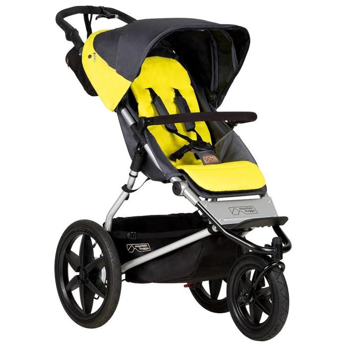Прогулочная коляска Mountain Buggy TerrainTerrainПрогулочная коляска Mountain Buggy Terrain Evo может принять на борт маленького пассажира уже с рождения, ведь ее сидение раскладывается в горизонтальное положение для полноценного и здорового сна, обеспечивая ребенку ровное, ортопедически правильное ложе.  Прогулочный блок: Трехколесная прогулочная коляска с рождения до 5 лет Просторное сидение с внутренними карманами для вещей ребенка Сидение регулируется в 3-х положениях (прогулка, сон, новорожденный) Пятиточечные регулируемые по высоте ремни безопасности с мягкими плечевыми Накладками для надежной фиксации Съемный бампер-ограничитель Встроенный в капор солнцезащитный козырек Встроенные в обивку светоотражатели для безопасных прогулок Гиппоалергенная, долговечная, снимающаяся для стирки обивка  Ручка: Настраиваемая по высоте ручка для комфорта мам и пап разного роста (от 86-118 см) Удобная и эргономичная форма   Колеса: 3 больших быстросъемных надувных колеса на двойных шариковых подшипниках закрытого типа для бесшумного хода, легкого качения и минимального обслуживания переднее колесо вращается на 360 с возможностью фиксации для надежного движения по асфальту, гравию, траве и песку Задние амортизаторы   Шасси: Усиленная алюминиевая рама, способная выдержать повседневные нагрузки до 35 кг Два тормоза: ножной (двухсторонний) и ручной Возможность установки блока для новорожденного или автокресла группы 0/0+ Просторная корзина для покупок, способная вместить до 10 кг необходимых на прогулке вещей и игрушек<br>