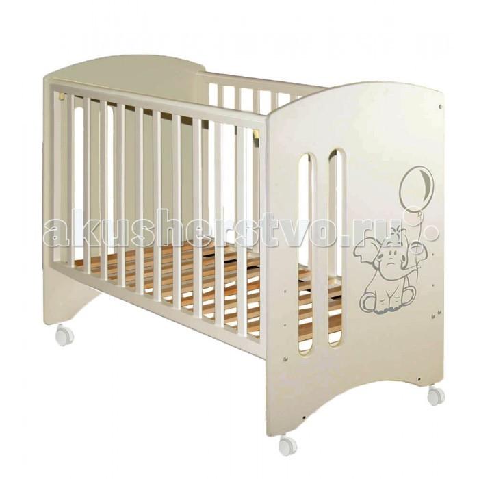 Детская кроватка Можгинский лесокомбинат Laluca Софи Слоник без ящикаLaluca Софи Слоник без ящикаДетская кроватка Можгинский лесокомбинат Laluca Софи Слоник имеет симпатичный внешний вид и достаточно широкий функционал.   Особенности:  Колёса позволяют свободно передвигать по комнате кроватку Лалюка.  Передняя стенка регулируется по высоте в трёх уровнях и снимается полностью, что оценят родители, которые предпочитают приставлять детскую кроватку на ночь к своей. Регулируется уровень высоты подматрасника в три положения позволяют с удобством использовать кроватку от самого рождения до 3-х лет. В комплектации есть колёса, на которые можно будет поставить кроватку без установки маятника. Передняя и задняя стенки (решётки) изготовлены из дерева (берёза), все остальные детали из МДФ. Покрытие на полиуретановой основе абсолютно безвредно для детей, что подтверждено сертификатами.<br>