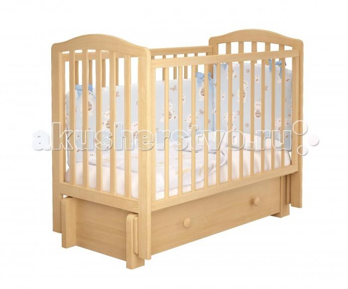 Детская кроватка Можгинский лесокомбинат Пикколо-3 универсальный маятник МиланоПикколо-3 универсальный маятник МиланоМожгинский лесокомбинат Детская кроватка Пикколо-3 универсальный маятник Милано  Кроватка рассчитана для детей от рождения до 3 - 4 лет; Спальное ложе регулируется и имеет 3 уровня высоты; Передняя стенка имеет удобный запатентованный механизм опускания, которую в последствии можно снять целиком; Кроватка со снятым передним ограждением так же очень удобна как приставная кроватка, которую удобно ставить рядом с родительской кроватью; Прутики у кроватки сделаны круглыми, что физиологически правильно для маленькой детской ручки; Кроватка дополнена большим ящиком с бесшумным выкатным механизмом для хранения детских вещей или постельного белья; Детская кроватка оснащена универсальным маятником: вы можете качать кровать в одной горизонтальной плоскости вдоль длинной стенки, а так же качение маятника происходит вдоль короткой стенки (в зависимости от сборки кроватки); Все используемые при производстве кроватки лакокрасочные материалы не токсичны и безвредны для здоровья малыша; Кроватка изготовлена из массива березы.  Размеры: Размеры спального ложа: 120 х 60 см. Размер кроватки: 125 х 108 х 68 см.<br>