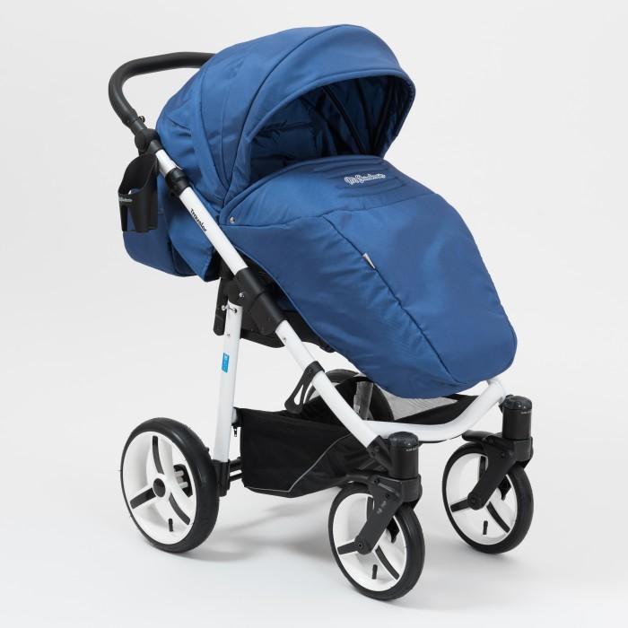 Прогулочная коляска Mr Sandman TravelerTravelerMr Sandman Traveler – всесезонная прогулочная коляска, предназначена для детей, которые научились самостоятельно сидеть. Данная модель имеет большие надувные колеса, что обеспечивает хорошую проходимость по бездорожью. Преимуществом коляски является глубокий капюшон, который увеличивается при необходимости за счет молнии. Ткани, используемые в обивке коляски влагоотталкивающие и не пропускают ультрафиолетовых лучей.  Шасси: легкая алюминиевая рама имеется автоматическая блокировка, при раскладывании коляски (Click) ручка эргономичной формы, регулируется под рост родителей 4 надувных колеса, передние – поворотные, с возможностью фиксации (24 см); задние – оборудованы надежным тормозом (30 см) поворотные передние колеса оборудованы системами памяти DMS и амортизации SAS колеса можно накачивать любым велосипедным или автомобильным насосом (при давлении 0.5 атмосфер) имеется вместительная корзина для покупок и прочих предметов  Прогулочный блок: имеет 2 направления – «лицом к маме», «лицом от мамы» на капюшоне имеется сетчатое окошко капюшон можно увеличить за счет молнии обивка коляски выполнена из ткани UV 50+, не пропускает ультрафиолетовые лучи и не выгорает на солнце материал обивки имеет влагоотталкивающую пропитку наклон спинки регулируется в 3-х положениях, включая горизонтальное положение (175 град.) регулируемая подножка оборудован съемным бампером имеет теплую накидку на ножки, которая плотно крепится к сиденью оснащен встроенными пятиточечными ремнями длина спального места с подножкой: 100 см ширина сиденья: 31 см высота спинки: 52 см глубина сиденья: 27 см длина подножки: 22 см  В комплектацию входят:  дождевик москитная сетка сумка для мамы чехлы на колеса  Шасси в разложенном виде: 92х60х112 см (Д/Ш/В) Шасси в сложенном виде: 82х60х30 см (Д/Ш/В) Вес коляски 12 кг.<br>