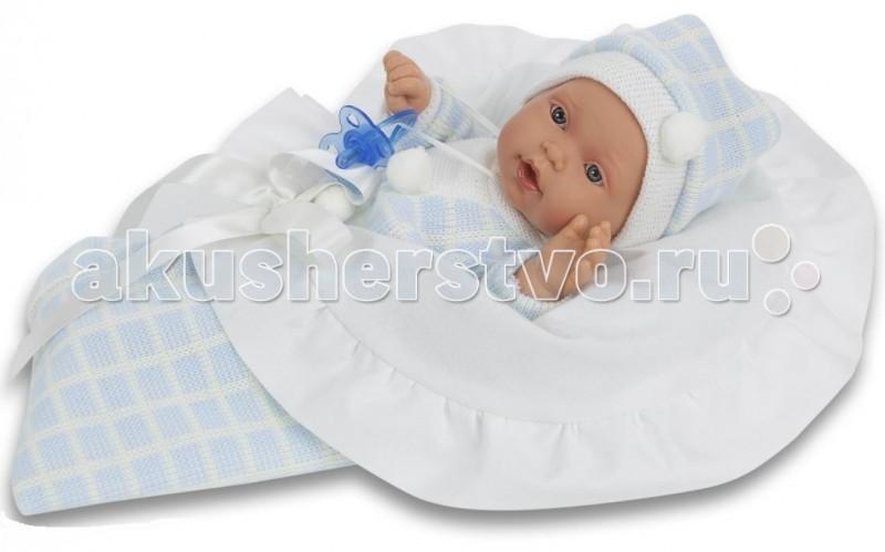 Munecas Antonio Juan  Кукла Бланка плачущая 27 смКукла Бланка плачущая 27 смКукла-младенец Бланка выглядит совсем как ребенок. Она одета в костюмчик с шапочкой, дополнена конвертом.  Личико сделано с детальными прорисовками. Образы малышей Мунекас разработаны известными европейскими дизайнерами. Они натуралистичны, анатомически точны, с подвижными ручками и ножками, копируют настоящих младенцев.  Малыш умеет плакать, вставьте соску в ротик куклы и она сразу успокоится.   Кукла с виниловыми подвижными ручками, ножками и головой, и мягконабивным туловищем.   Кукла упакована в красивую подарочную коробку.  Куклы Antonio Juan Munecas существуют уже более 40 лет и пользуется заслуженной популярностью в Европе. Куклы производятся исключительно в Испании, из высококачественных материалов, безвредных для ребенка. Образы кукол разрабатываются ведущими Европейскими дизайнерами, они высокохудожественны, натуралистичны (девочки/мальчики), одеты в красивую современную одежду, сшитую из натуральных тканей. Упакованы в стильные фирменные коробки.  В наш век технического прогресса классические куклы Антонио Хуан, с милыми добрыми детскими чертами не перестают пользоваться популярностью, а способность разговаривать, смеяться и плакать делает их вполне современными и интересными даже для самых «продвинутых» деток.<br>
