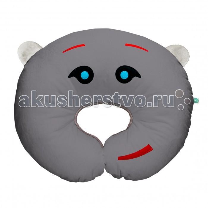 myHummy Подушка Шумящее Чудо PillowПодушка Шумящее Чудо PillowПодушка «myHummy» – удобная подушка, которая облегчает процесс кормления ребенка (как грудью, так и из бутылочки). Благодаря специально разработанной форме обеспечивается комфортная поддержка ребенка, где маме не приходится держать малыша на руках, что уменьшает нагрузку на ее позвоночник.  Подушка myHummy с уникальным генератором белого шума (New Generation) помогает не только засыпать, но и снимает нервное напряжение, стрессовые нагрузки..   Издает 5 видов белого шума: урчание в утробе и биение сердца матери, шум морских волн, шум падающего дождя, имитация звука включенного фена и имитация звука включенного пылесоса, которые положительно воздействуют на нервную систему малыша.  Преимущества игрушки: через 60 минут звук приглушается и выключается самостоятельно возможность регулировать громкость эффект памяти, механизм запоминает последний уровень громкости и тип шума встроен датчик сна, который автоматически включит игрушку, если малыш начнет просыпаться, вертеться или плакать Non-Stop Система обеспечивает работу игрушки до 12 часов включается нажатием одной кнопки игрушки сшиты из безопасных материалов, которые подходят для детей с первого дня жизни вынув датчик из кармашка, игрушку можно постирать кармашек с шумящим механизмом находится внутри myHummy и безопасно застегивается на замок  Шумящее устройство включается не вынимая из кармашка. Материал, из которого изготовлен myHummy, полностью сертифицирован и безопасен для ребенка от первого дня жизни  myHummy pillow/подушка имеет размер 60 x 50 см. Состав: 80% полиестр, 20% хлопок.<br>