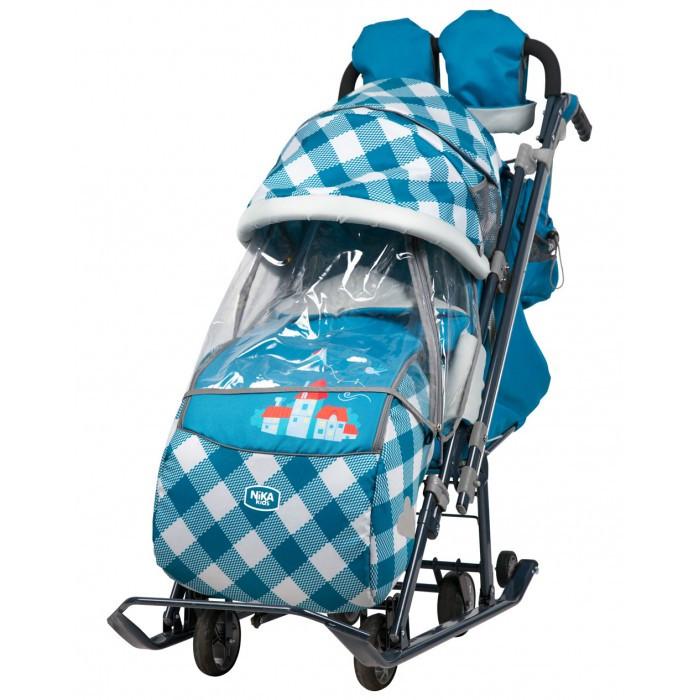 Санки-коляска Ника Детям 7-4Детям 7-4Санки-коляска Ника Детям 7-4 предназначены для перевозки детей в положении сидя и лежа.  Коляска комбинированная с трансформируемым кузовом позволяет передвигаться по любой дороге. Нажатием ноги на педаль опускаются колеса, и вы можете везти коляску по асфальту или по гладкому полу. Еще одно нажатие — коляска трансформируется в санки и снова скользить по снегу!  Особенности: • плоские полозья 40 мм • высокопрочный стальной цветной каркас • механизм смены полозьев на колеса (выдвижная колесная база) • высокий складной трехсекционный козырек с увеличенной высотой по спинке позволяет чувствовать себя комфортно малышу в шапке с помпоном • спинка регулируется до положения лежа • подножка для ног с регулируемым углом наклона, позволяющая ребенку в положении лежа комфортно вытягивать ножки • светоотражающий кант и элементы на чехле • широкое посадочное место 400 мм • чехол для ног с 2-мя молниями для удобного открывания с двух сторон • смотровое окошко для наблюдения за ребенком • яркий рисунок на чехле • рукавички для мамы • трехточечный ремень безопасности • обрезиненные колеса на полозьях для удобной транспортировки  Новые опции: • перекидная ручка — трость • рычаги управления механизмом перемещения ручки находится у рукоятки • фиксация ручки автоматическая • удобный карман на спинке чехла коляски • бампер, обтянутый тканью в цвет чехла • трансформируемый конверт-вкладыш на молнии • новый дизайн сумки с кармашками для полезных мелочей • съемный прозрачный тент от ветра и дождя с двумя молниями, крепится к чехлу коляски на пуговицу для исключения продувания • возможность крепления тента на козырьке коляски с помощью пуговицы для удобства доступа к ребенку  Размеры: длина х ширина х высота см: 119 х 44,5 х 112/106,5 см Ширина посадочного места: 38,5 см (размер по стойкам рамы) Ширина по колесам/ по полозьям: 34 см (передние)/26 см (задние), 44,5 см - положение на лыжах Диаметр колес: 12 см Ширина полозьев: 20 х 40 мм Высота до сиденья: