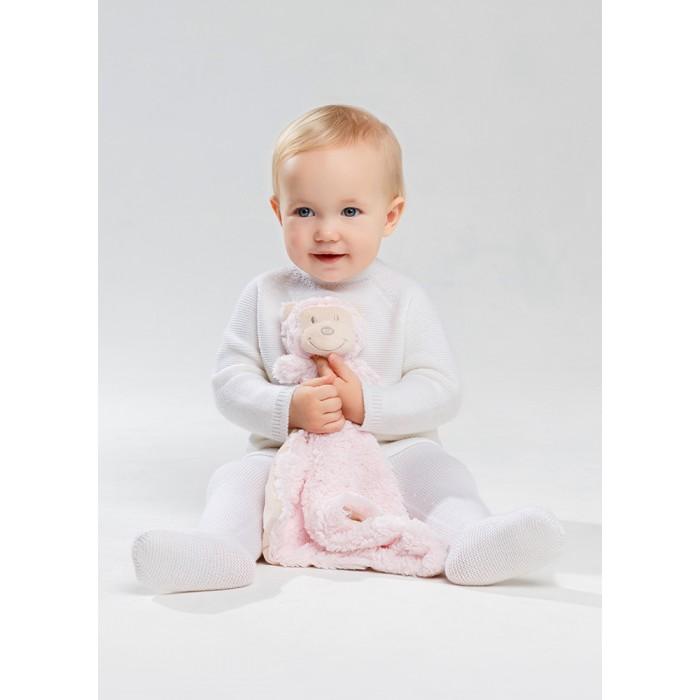 Norveg Комплект (кардиган, штанишки и мягкая игрушка)Комплект (кардиган, штанишки и мягкая игрушка)Norveg Комплект из кардигана, штанишек и мягкой игрушки - нарядный и теплый детский комплект. Стильный свободный кардиган идеально сочетается с аккуратными облегающими штанишками, фиксирующимися на теле широкой эластичной резинкой. Кардиган застегивается на плоские пуговички, расположенные на спинке изделия. Практичная модель штанишек с закрытыми стопами обеспечивает комфорт и сохранение тепла нижней части тела ребенка. В комплекте - мягкая игрушка-салфетка, предназначенная для гигиенических процедур, с которой малыш сможет поиграть или взять с собой в кроватку.   Мериносовая шерсть сохраняет тепло тела и осуществляет терморегуляцию, исключая перегрев и переохлаждение, отводит влагу от кожи, не намокая. Тончайший кашемир придает материалу особую воздушную структуру. Волокна шелка обеспечивают воздухопроницаемость и гигиеничность, совершенствуют терморегулирующую функцию шерсти. Гипоаллергенная ткань предупреждает размножение бактерий, обеспечивает максимальный тактильный комфорт.   Комплект отличается повышенной износостойкостью благодаря комбинированному составу материала и природным грязеотталкивающим свойствам волокон и устойчивостью к истиранию. Изделие садится по телу ребенка, умеренно облегая без обтягивания и гарантирует максимальный комфорт благодаря отсутствию швов. Сохранение функциональных свойств и безупречного внешнего вида возможно при соблюдении правил ухода: ручная стирка при температуре не более 30° и сушка в расправленном виде.       Состав: 70% Шерсть, 10% Кашемир, 20% Шелк. Рекомендации по уходу: стирка до 30°<br>