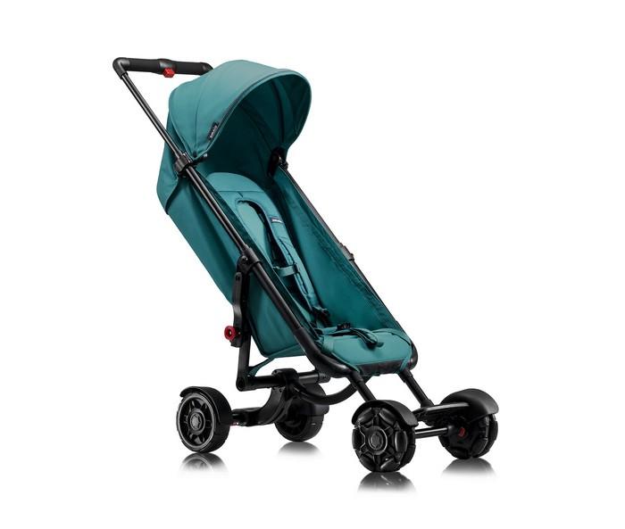 Прогулочная коляска Omnio StrollerStrollerПрогулочная коляска Omnio Stroller - инновационная прогулочная коляска, имеющая роликовые передние колеса и возможность суперкомпактного сложения, позволяющая носить коляску как рюкзак.  Легкость разворота коляски, отличная управляемость и маневренность езды обусловлены наличием нестандартных колес. Уникальные роликовые колеса имеют ряд изогнутых роликов, которые поворачиваются в нужную сторону в зависимости от типа дороги.  Инновационная конструкция алюминиевой рамы позволяет сложить коляску за несколько секунд до компактных размеров. В сложенном виде ее можно носить за спиной, используя в качестве лямок внутренние шеститочечные ремни. За коляской удобно ухаживать. Поддерживать ее в чистоте для вас не составить труда благодаря полностью съемному сидению. Надежная защита от солнца обусловлена наличием капора UPF50+ с дополнительным козырьком. Для удобства ножек вашего ребенка имеется подставка.  С коляской можно смело отправляться на прогулку даже по бездорожью. По пересеченной местности как нельзя, кстати, будут грязевые щитки. Коляска станет вашим верным спутником в поездках как на автомобиле, так и в самолете.  Особенности:  Возрастная группа: 6 мес — 22 кг полностью съемная обивка сидения; съемный, всепогодный капор с защитой от УФ-лучей 50+, с гибким козырьком от солнца, обзорной панелью и светоотражающими элементами; основной карман с отделением на молнии, брелочек-зажим, вместительный внешний сетчатый карман, подходящий для хранения капора, максимальная нагрузка 2 кг; регулируемые 6-ти точечные удерживающие ремни, можно использовать как лямки для ношения коляски за спиной; 2 положения регулировки пахового ремня; подставка для ножек; шасси из прочного алюминия; компактное сложение за несколько секунд, двойная система блокировки; телескопическая ручка (81-103 см) с приятной накладкой из пеноматериала; центральная тормозная педаль; зажим для фиксации телескопической ручки, натяжитель сидения и точки фиксации капора; съем