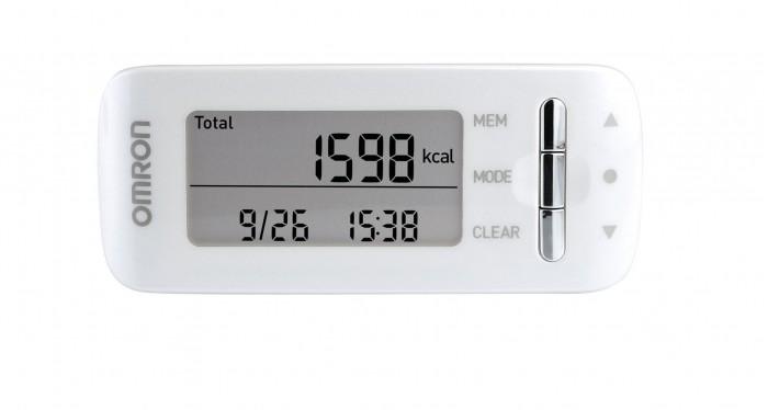 Omron Шагомер HJA-306Шагомер HJA-306Omron Шагомер HJA-306 является идеальным помощником в управлении Вашей диетой благодаря точному определению количества сожженных калорий в течение 24 часов.  Отображение общего количества калорий (обмен веществ при полном покое организма + калории во время активности), сожженных между полночью и настоящим временем. Отображение калорий, сожженных во время активности/сожженного жира Отображение количества калорий, сожженных в период физической активности (например, при работе в офисе) между полночью и настоящим временем, а также количества сожженного жира.  Отображение числа шагов при 3 метаболических эквивалентах или более за одну неделю и общего числа шагов во время упражнений за неделю.  Индикация интенсивности упражнений по отношению к интенсивности во время отдыха. В среднем, сидя в состоянии покоя, человек потребляет 1 метаболический эквивалент, а при ходьбе с обычной скоростью (4 км/ч) – 3 метаболических эквивалента.  Кроме обычного счета шагов, отображается общее число шагов и число дней. Эти показания можно сбросить в любое время. Они полезны для подсчета числа шагов на определенном расстоянии или за определенное время.  Чтобы сохранить заряд батареи, дисплей прибора отключается, если в течение более 5 минут не нажимается ни одна кнопка. Однако прибор будет продолжать считать шаги.  Особенности: 3D-сенсорная технология обеспечивает точный и надежный подсчет шагов Круглосуточное определение количества потраченных калорий (ходьба, легкий бег, уборка, отдых) Поддержка высокой мотивации для достижения результата Активные калории: прибор показывает дополнительно потраченную энергию Тренировочные шаги отображаются в отдельном режиме Подсчет шагов, сожженного жира, расстояния Память на 7 дней, встроенные часы Стильный, современный дизайн<br>