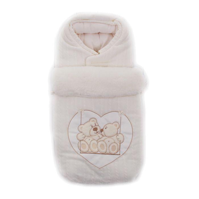 Зимний конверт Осьминожка Мишки на качелях (вязаный)Мишки на качелях (вязаный)Конверт зимний меховой для прогулки.   Конверт для деток на прогулку в зимний период. Конверт на боковых молниях с вышивкой Мишки на качелях, верх из вязаной ткани.   Защитит вашего малыша в зимний период от холода.   Отличного подойдет для Вашего малыша как для использования в коляске, так и в дальнейшем.  Состав: Верх: акрил (100% п/э), подклад: флис (100% п/э), мех (70% шерсть, 30% п/э), наполнитель: холофайбер (100% п/э)  Уход: ручная стирка 30 градусов.<br>