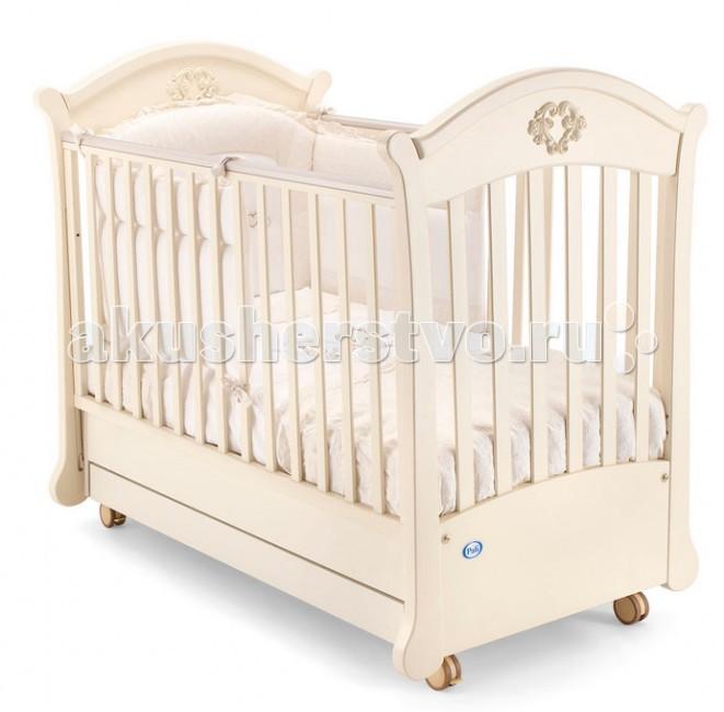 Детская кроватка Pali Angelica поперечный маятникAngelica поперечный маятникДетская кроватка Pali Angelica поперечный маятник   С лёгкостью станет украшением любого интерьера, обеспечит ребёнку здоровый и крепкий сон и станет незаменимым помощником в ежедневном уходе за младенцем. Самое главное свойство детской кроватки - безопасность.   Материал кроватки - выдержанный бук, твердый и прочный, он не рассыхается и не отсыревает. Краски и лак, которыми покрыта кроватка, нетоксичны и не создают вредных испарений.   Особенности: Предназначена для детей в возрасте до 5 лет Спальное место - 120х60 Натуральный массив выдержанного бука Основание маятника и бельевой ящик выполнены из ДСП Декор - объемная аппликация с резьбой Кроватка покрыта нетоксичными лаками и красками на водной основе  Боковое ограждение имеет 2 положения Запатентованный, бесшумный механизм опускания боковины Силиконовые накладки на бортиках Ортопедический, реечный подматрасник - 2 положения по высоте Бельевой ящик в основании Поперечный маятник, который можно зафиксировать при необходимости<br>