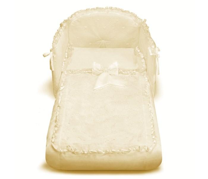 Комплект в кроватку Pali Tulip (3 предмета)Комплекты в кроватку<br>Великолепный комплект в кроватку Pali Tulip, состоящий из борта, наволочки и одеяла.   Комплект выполнен из хлопка высочайшего качества и декорирован аппликациями. Такое постельное белье подарит малышу невероятно комфортные ощущения и придаст кроватке изысканный и нарядный вид.  Основные характеристики: техника Безопасный шов обеспечивает белью повышенный комфорт и не травмирует нежную кожу малыша изготовлено из 100 % хлопка белье гиппоаллергенно составит гармоничный ансамбль с кроватками борт легко крепится к кроватке с помощью ленточек  В комплект входят: Бампер на 3 стороны на завязках (Для кроваток с внутренним размером 125х65 см.) Одеяло с пододеяльником 87х125 см с антиаллергенным внутренним наполнителем Наволочка 59 х 38 см
