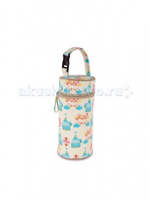 Pink Lining Сумка для бутылочки Bottle HolderСумка для бутылочки Bottle HolderPink Lining Сумка для бутылочки сохраняет напитки теплыми или холодными в течение 3 часов. У сумки есть ремешок с простой застежкой, так что ее можно легко прикрепить на ручку коляски или большой сумки.   Уход: протирать влажной тканью с использованием мягко действующего моющего средства.  Размеры: 21 x 9 x 8 см  Сумка для бутылочки выпускается в фирменных расцветках Pink Lining, так что всегда можно подобрать ту, что подойдет именно к вашей сумке.   Основная ткань - 100% хлопок с ламинированным покрытием EVA (без учета отделки).  Подкладка - 100% нейлон  Вес: 0,3 кг<br>